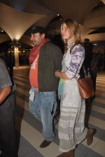 Vikram Chatwal arrives in India with gf in Mumbai Airport on 17th March 2012 (11).JPG