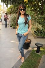 Jacqueline Fernandez at Housefull 2 cast meets NDTV contest winner in Andheri, Mumbai on 20th March 2012 (19).JPG
