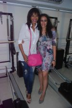 Mansi Scott, Hasleen Kaur at The Pilates and Altitude Training Studio Launch  in Juhu, Mumbai on 20th March 2012 (40).JPG