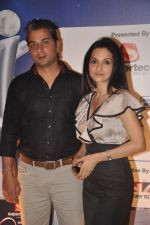 Rajeshwari Sachdev, Varun Badola at IBN 7 Super Idols in Taj Land_s End on 20th March 2012 (51).JPG