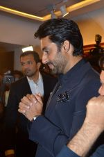 Abhishek Bachchan at Paresh Maity art event in ICIA on 22nd March 2012 (102).JPG