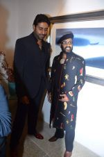 Abhishek Bachchan at Paresh Maity art event in ICIA on 22nd March 2012 (105).JPG