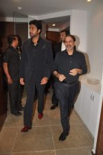 Abhishek Bachchan at Paresh Maity art event in ICIA on 22nd March 2012 (111).JPG