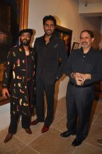 Abhishek Bachchan at Paresh Maity art event in ICIA on 22nd March 2012 (123).JPG