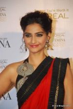 Sonam Kapoor at Loreal Femina Women Awards in Mumbai on 22nd March 2012 (110).JPG