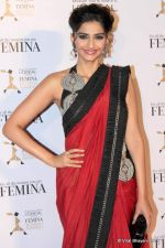 Sonam Kapoor at Loreal Femina Women Awards in Mumbai on 22nd March 2012 (231).JPG