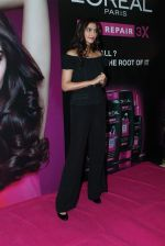 Sonam Kapoor at Loreal event in Mumbai on 22nd March 2012 (20).JPG