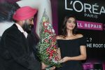 Sonam Kapoor at Loreal event in Mumbai on 22nd March 2012 (25).JPG