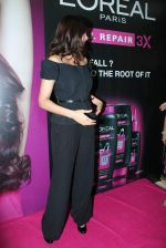 Sonam Kapoor at Loreal event in Mumbai on 22nd March 2012 (51).JPG