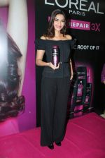 Sonam Kapoor at Loreal event in Mumbai on 22nd March 2012 (56).JPG