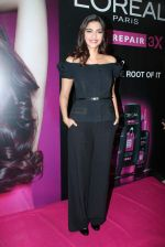 Sonam Kapoor at Loreal event in Mumbai on 22nd March 2012 (57).JPG