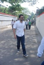 Jackie Bhagnani at Mona Kapoor funeral in Mumbai on 26th March 2012 (158).JPG
