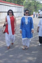 Kiran Sippy, Poonam Dhillon at Mona Kapoor funeral in Mumbai on 26th March 2012 (138).JPG