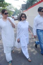 Madhuri Dixit at Mona Kapoor funeral in Mumbai on 26th March 2012 (186).JPG