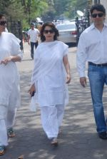 Madhuri Dixit at Mona Kapoor funeral in Mumbai on 26th March 2012 (189).JPG