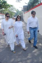 Madhuri Dixit at Mona Kapoor funeral in Mumbai on 26th March 2012 (190).JPG