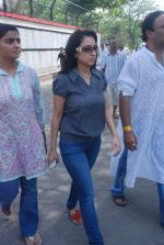 Madhurima Nigam at Mona Kapoor funeral in Mumbai on 26th March 2012 (30).JPG