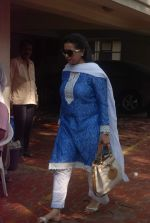 Poonam Dhillon at Mona Kapoor funeral in Mumbai on 26th March 2012 (21).JPG