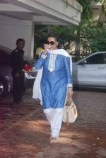 Poonam Dhillon at Mona Kapoor funeral in Mumbai on 26th March 2012 (22).JPG