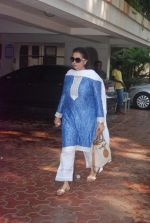 Poonam Dhillon at Mona Kapoor funeral in Mumbai on 26th March 2012 (23).JPG