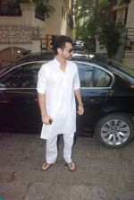 Sanjay Kapoor at Mona Kapoor funeral in Mumbai on 26th March 2012 (20).JPG