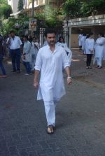 Sanjay Kapoor at Mona Kapoor funeral in Mumbai on 26th March 2012 (88).JPG