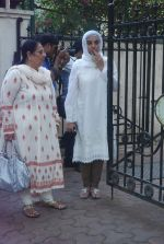 Shabana Azmi at Mona Kapoor funeral in Mumbai on 26th March 2012 (89).JPG