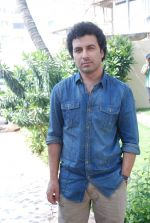 Aamir Bashir on location of film Future Toh Bright Hai Ji on 1st April 2012 (16).JPG