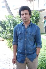Aamir Bashir on location of film Future Toh Bright Hai Ji on 1st April 2012 (17).JPG