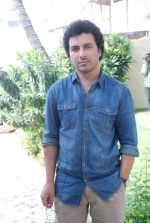 Aamir Bashir on location of film Future Toh Bright Hai Ji on 1st April 2012 (18).JPG