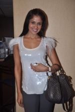 Chhavi Mittal at the Celebration of the Completion Party of 100 Episodes of PARVARISH�..kuch khatti kuch meethi in bowling alley on 7th April 2012 (32).JPG
