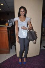 Chhavi Mittal at the Celebration of the Completion Party of 100 Episodes of PARVARISH�..kuch khatti kuch meethi in bowling alley on 7th April 2012 (33).JPG