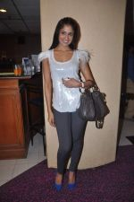 Chhavi Mittal at the Celebration of the Completion Party of 100 Episodes of PARVARISH�..kuch khatti kuch meethi in bowling alley on 7th April 2012 (34).JPG