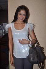 Chhavi Mittal at the Celebration of the Completion Party of 100 Episodes of PARVARISH�..kuch khatti kuch meethi in bowling alley on 7th April 2012 (36).JPG