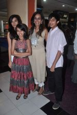 Deeya Singh at the Celebration of the Completion Party of 100 Episodes of PARVARISH kuch khatti kuch meethi in bowling alley on 7th April 2012 (37).JPG