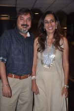 Tony Singh, Deeya Singh at the Celebration of the Completion Party of 100 Episodes of PARVARISH�..kuch khatti kuch meethi in bowling alley on 7th April 2012 (14).JPG