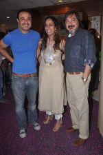 Vivek Mushran, Tony Singh at the Celebration of the Completion Party of 100 Episodes of PARVARISH�..kuch khatti kuch meethi in bowling alley on 7th April 2012 (57).JPG