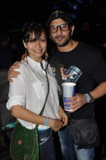 Arshad Warsi, Maria Goretti at Sunburn in Juhu, Mumbai on 8th April 2012 (7).JPG