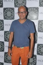 Narendra Kumar Ahmed at Vinoteca Launch in Mumbai on 10th April 2012 (62).JPG