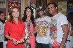 Raageshwari Loomba, Siddharth Kannan, Akashdeep Saigal at Jack Canfield book launch in Crossword, Mumbai on 11th April 2012 (18).JPG
