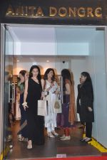 Sangeeta Bijlani at the launch of Anita Dongre_s store in High Street Phoenix on 12th April 2012 (108).JPG