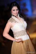 Anjana Sukhani walk the ramp for Nivedita Saboo Show at ABIL Pune Fashion Weekon 14th April 2012 (5).jpg