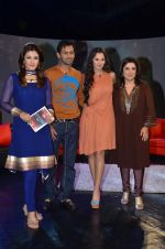 Sania Mirza, Shoaib Malik, Raveena Tandon, Farah Khan at  NDTV_s Raveena chat show inMumbai on 14th April 2012 (91).JPG