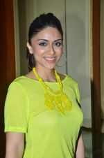 Zoa Morani at SNDT Chrysalis fashion show in Mumbai on 20th April 2012 (14).JPG