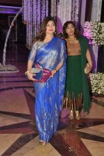 Alka Yagnik at Sunidhi Chauhan_s wedding reception at taj lands end in Bandra, Mumbai on 26th April 2012 (15).JPG
