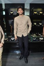 Amar Upadhyay at Gehna Jewellers celebrates 26years of excellence in Mumbai on 26th April 2012 (78).JPG
