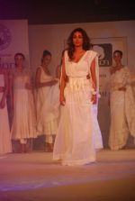 Jiah Khan at Anita Dongre Cotton Council fashion show in Mumbai on 8th May 2012 (89).JPG