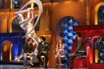 Sanjay Dutt, Navjot Singh Sidhu, Isa Guha on the sets of Extra Innings in R K Studios on 12th May 2012 (27).JPG