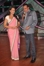 Sonakshi Sinha, Mithun Chakraborty promotes Rowdy Rathore on DID L_il Masters in Mumbai on 15th May 2012 (17).JPG