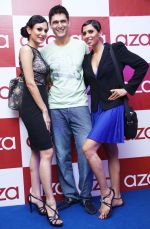 Anchal Kumar, Niketan Modhak and Candice Pinto at the Aza store launch in Ludhiana on 18th May 2012.jpg